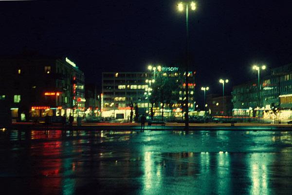 skelleftea-busstationen-och-torget-1964